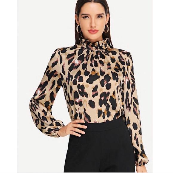 3436f4688bdb71 Shein Leopard Top NWOT Ruffle Neck Keyhole Back L.  M_5cb539e1c953d82144f5345a